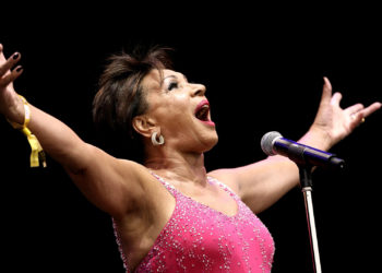 Life History of Shirley Bassey