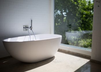 Important Notes On Keeping Your Bathtub Well Maintained And Safe To Use