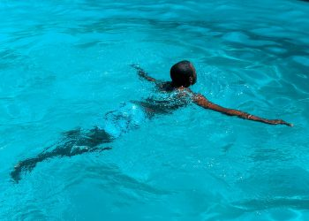 Key Advantages of Learning How to Swim Like a Professional