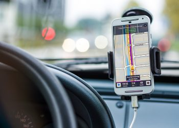 Using Phone Apps For Driving – Tips And Other Crucial Details To Remember